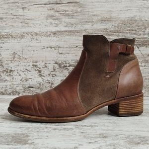 ⚀Alberto Fermani Leather & Suede Bootie